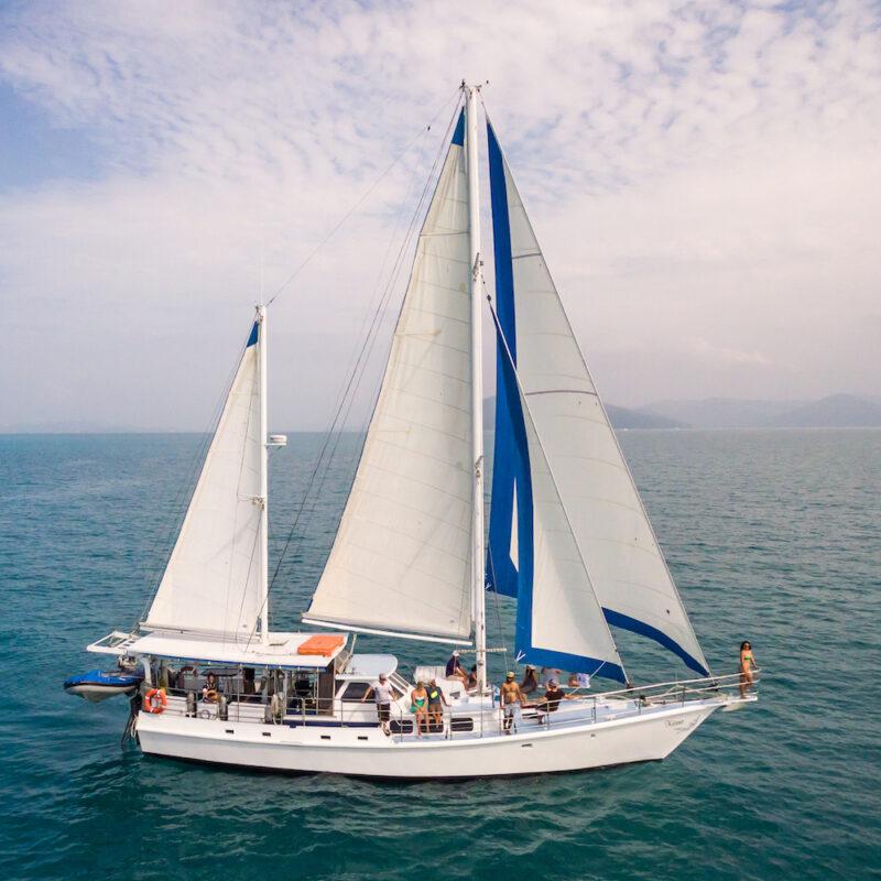 Sailing on Kiana Whitsundays
